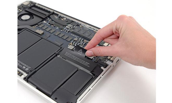 Macbook Pro 2016 pret mult prea mare pentru ceea ce ofera 146